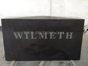 G654 with middle flower tombstone